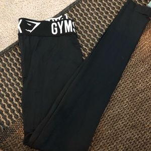NEW GYM SHARK LEGGINGS